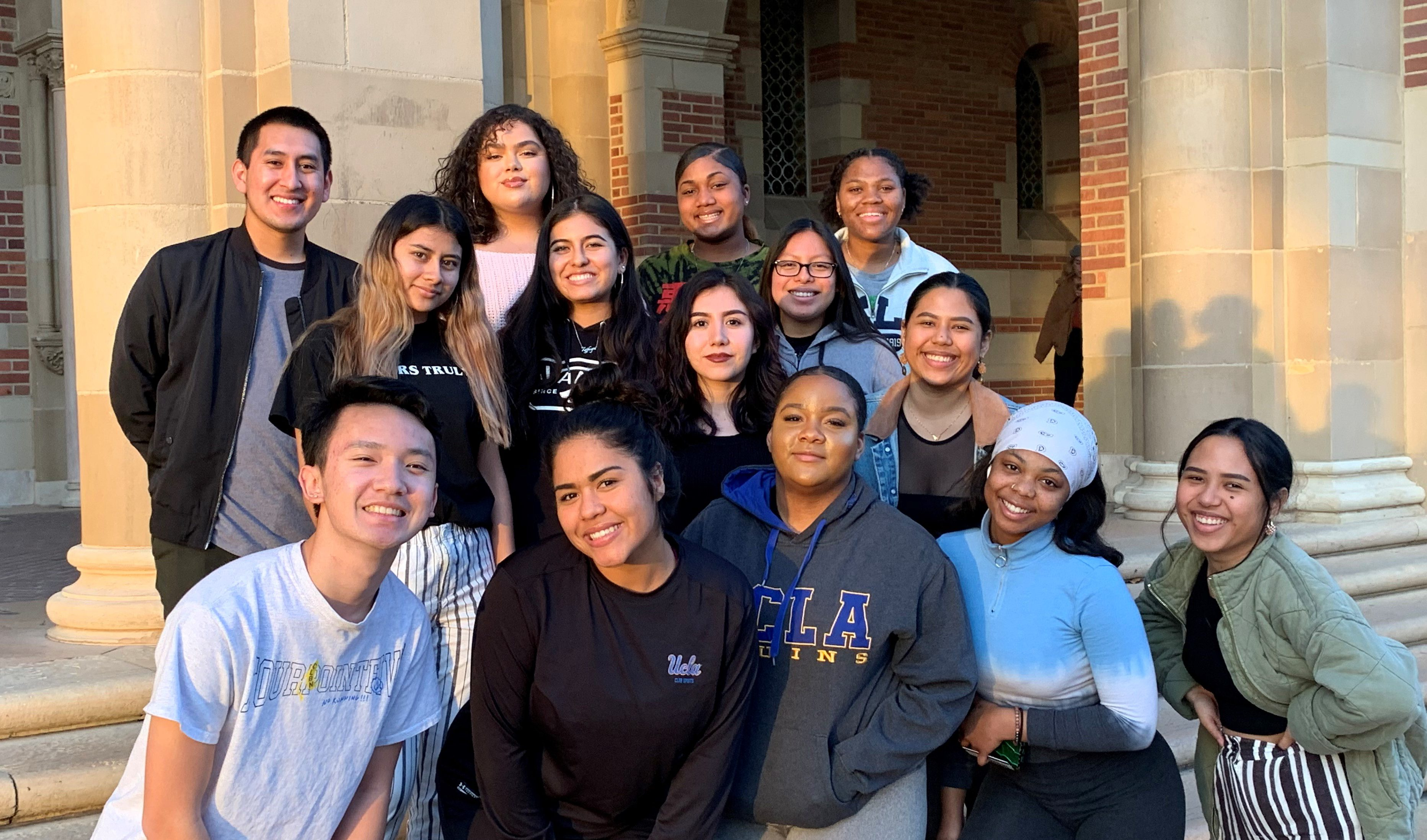 An image of the previous 2019 - 2020 Research Rookies Cohort smiling outside.